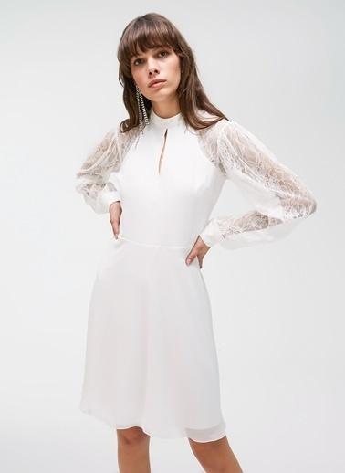 People By Fabrika Dantel Detaylı Elbise Beyaz